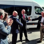 Carrefour dona un vehículo adaptado a UPACE San Fernando para mejorar la autonomía de las personas con parálisis cerebral de la provincia de Cádiz